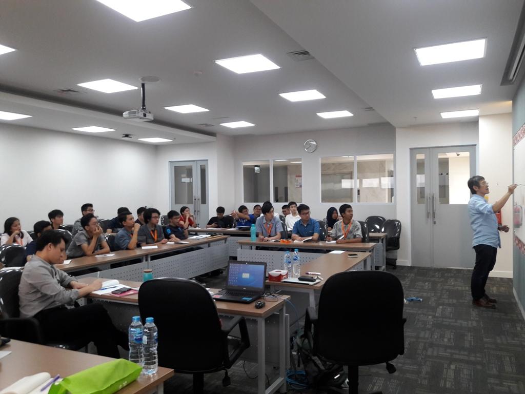 Short Course Machine Learning dengan Prof. Pitoyo Hartono