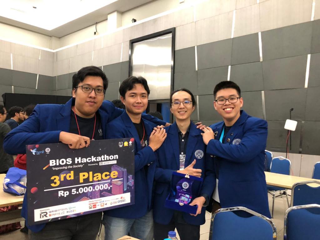 Juara 3 Hackathon