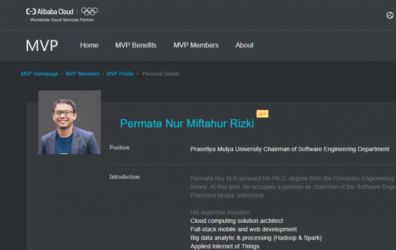 Pak Permata mendapatkan penghargaan Alibaba MVP